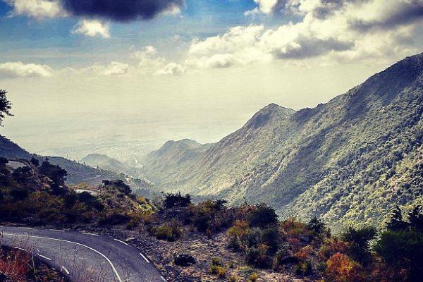 Straße zwischen den Affengebirgen Nord-Äthiopiens